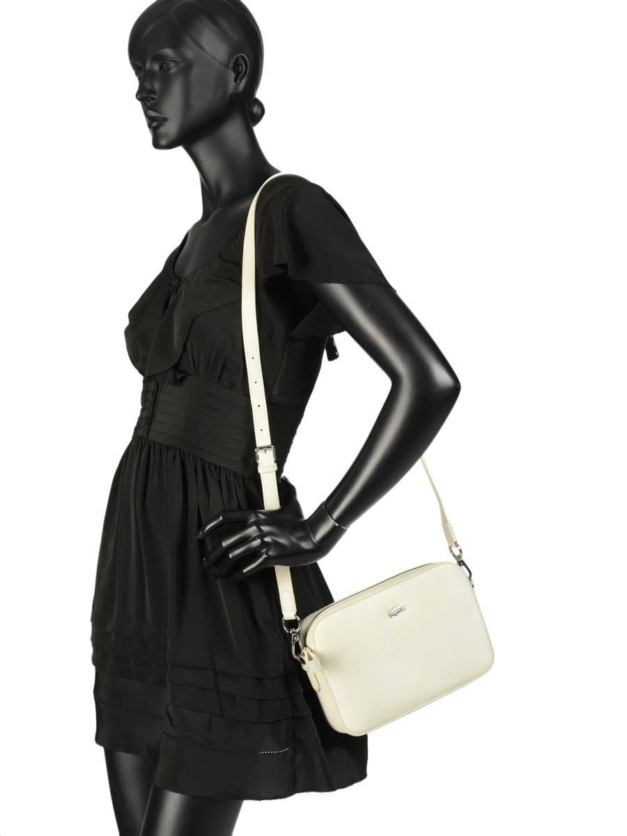 ... Cross Body Tas Daily Classic Lacoste Wit daily classic NF2771DC ander  zicht 2 ... fed6a28d52