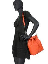 Bucket Bag M Ninon Leder Lancel Oranje ninon A10650-vue-porte